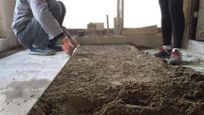 地面瓷砖如何铺贴