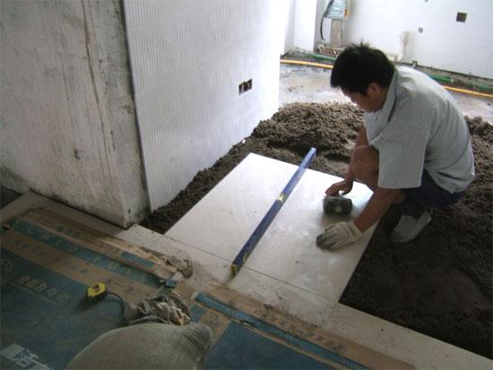 地面瓷砖铺贴