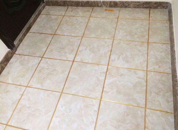 瓷砖填缝和不填缝