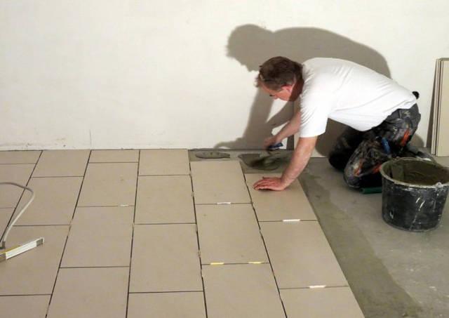 铺贴新瓷砖
